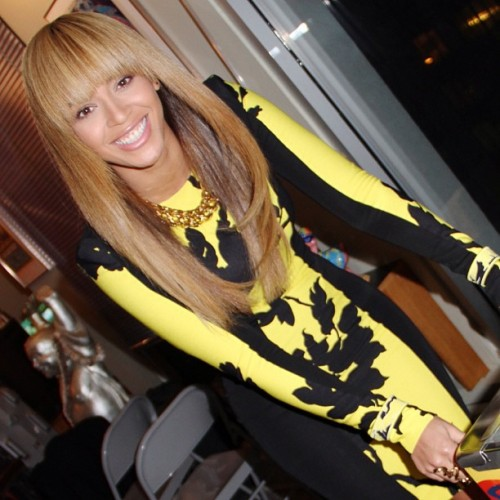 Beyonce+Black+Yellow+Leaf+Leonard+2013+Spring+Dress+Instagram-500x500
